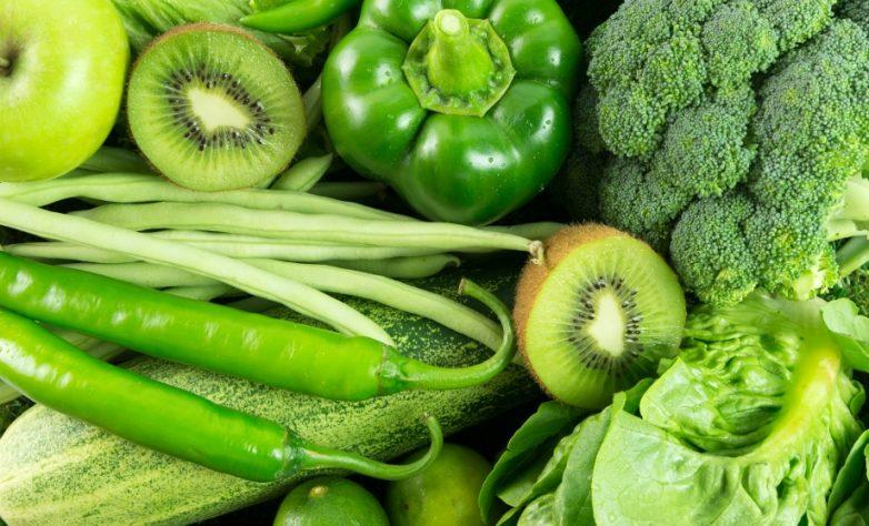 зелёные овощи и фрукты